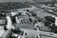 Udsigt over kvarteret omkring Hasle Kirke anno 1959